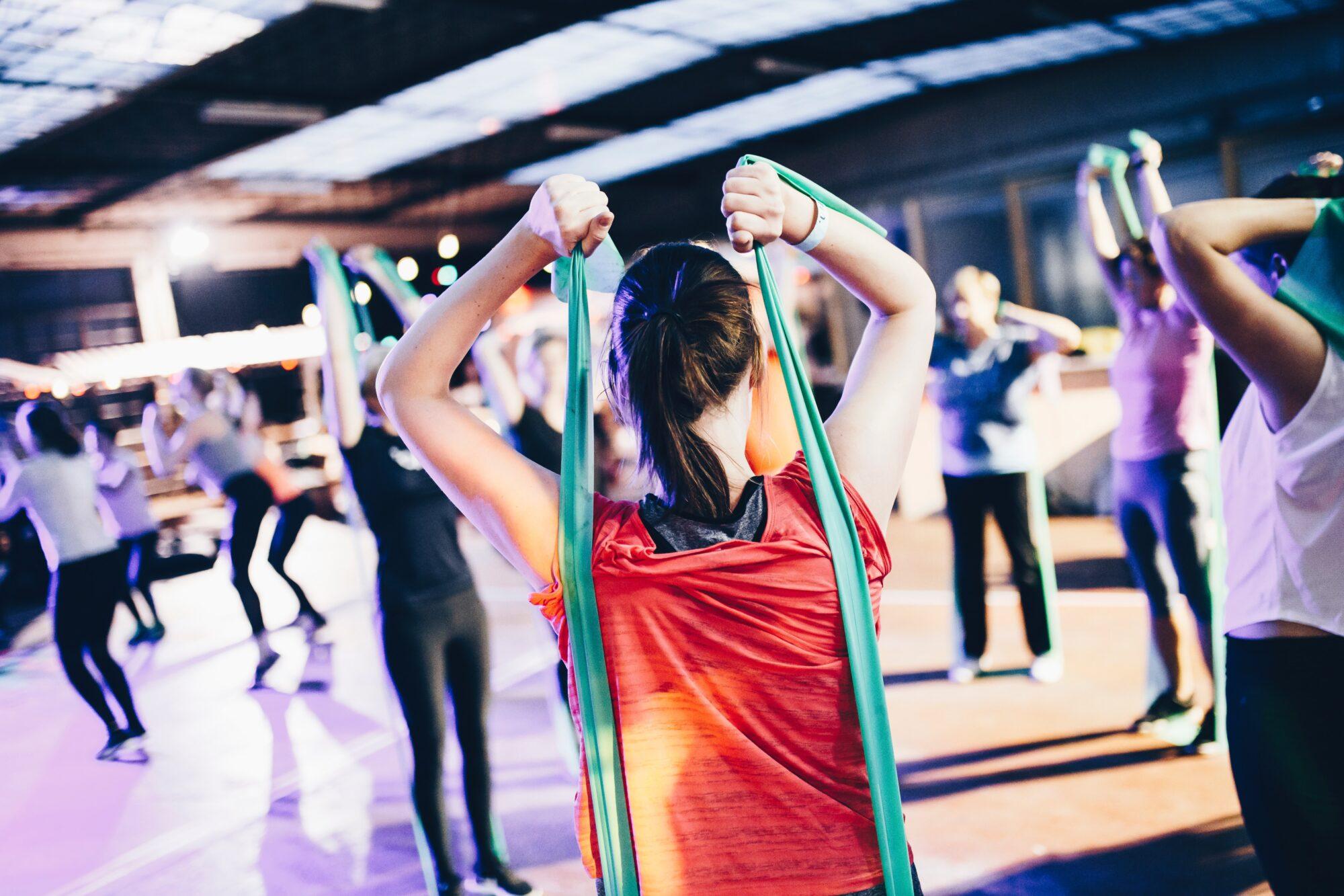 Kom i form med en træningselastik